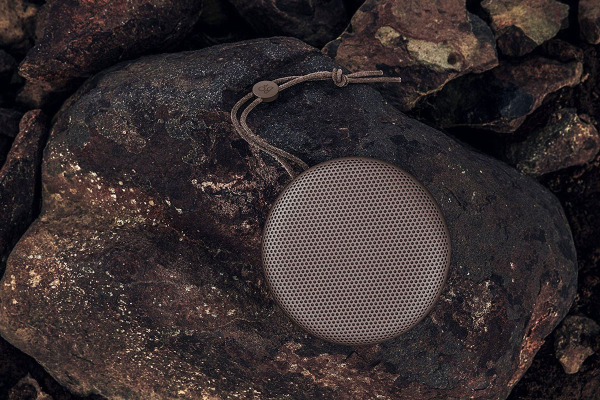 beoplay-on-rocks