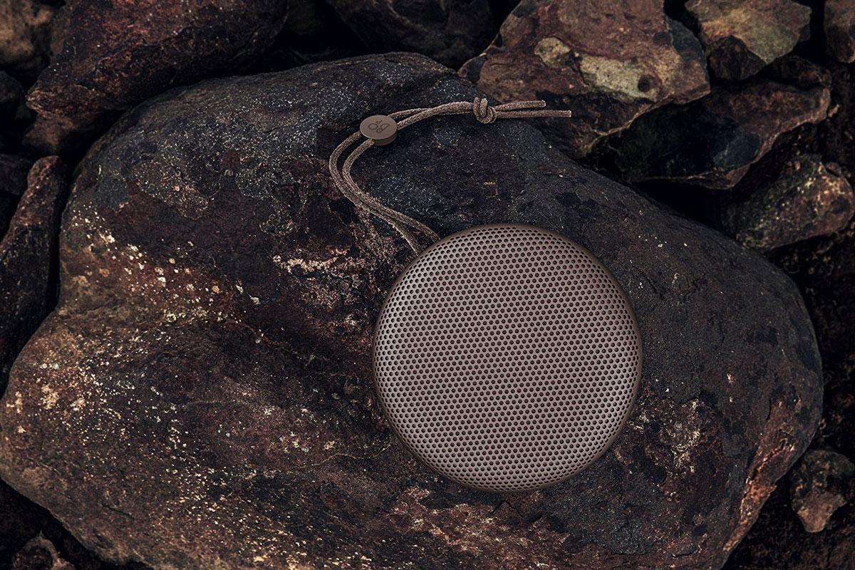 beoplay-on-rocks